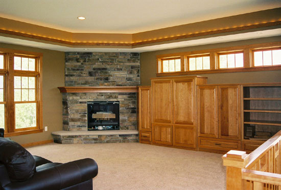 ENTERTAINMENT WALL/FIREPLACE MANTLE